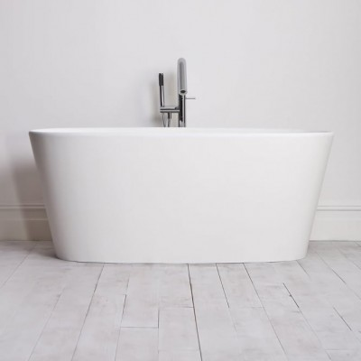 Bathtub Nevers in Solid Surface